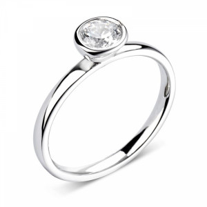 Prong Setting Solitaire Moissanite Engagement Ring  in Round Cut