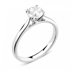 Prong Setting Solitaire Moissanite Engagement Ring in Round Brilliant