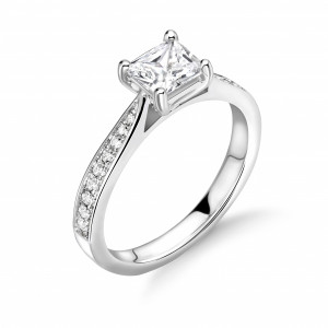 4 Prong Setting Princess Shape Tapering Delicate Shoulder Halo Moissanite Engagement Rings