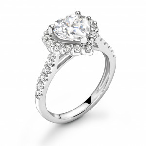 4 Prong Setting Heart Shape Luxurious Halo Diamond Engagement Rings