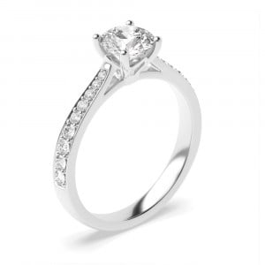 Tappering Shoulder Delicate Designer Setting Side Stone Diamond Engagement Rings