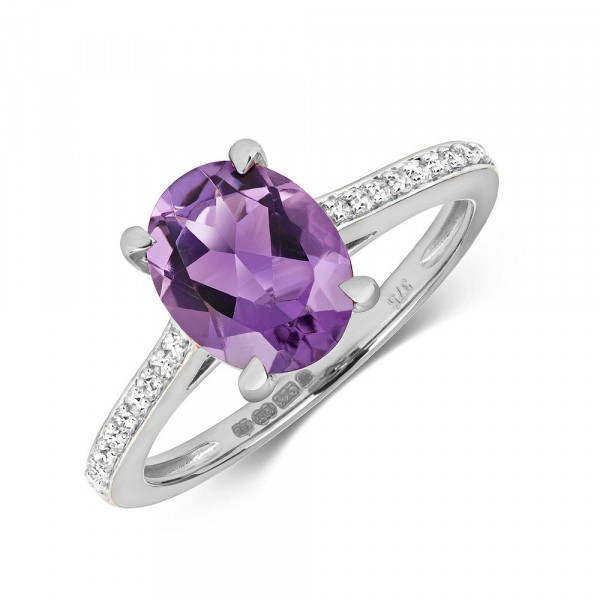 Gemstone Ring With 9X7mm Oval Shape Amethyst and Diamonds