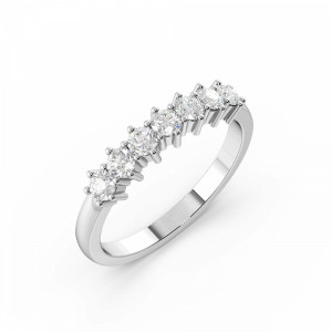 6 Prong Round Shape Diamond 7 Stone Ring